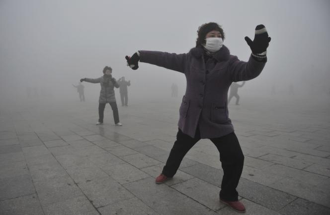 Le premier ministre Li Kequiang a présenté, vendredi 14 juin, un nouveau plan en dix points visant à endiguer la pollution de l'air.