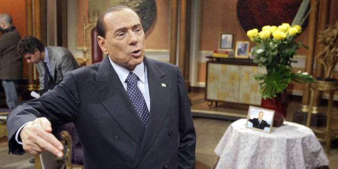 Silvio Berlusconi assure que la cure d'austérité qui a asphyxié l'Italie n'est que temporaire. Ici, dans les locaux de la Rai, le 11 janvier.