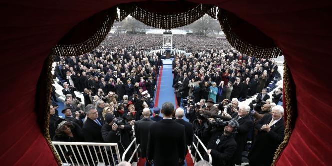 Barack Obama arrive au Capitole à Washington pour la cérémonie officielle d'investiture, le 21 janvier.