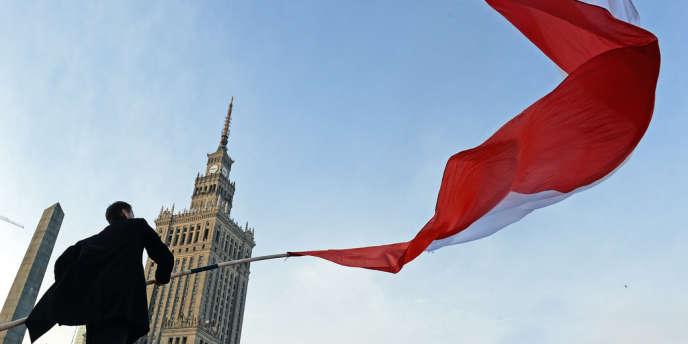 Pour 2013, Bruxelles table sur 1,8 % de croissance, contre 2,4 % attendus en 2012 et 4,3 % en 2011.