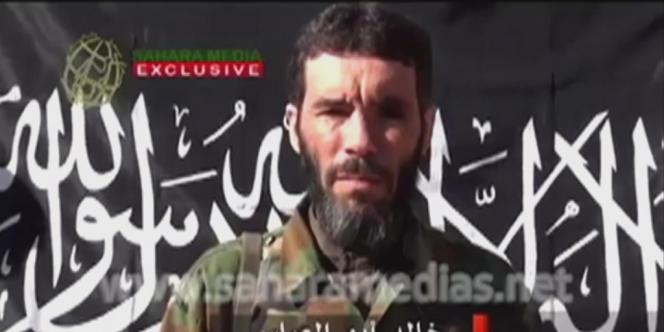Mokhtar Belmokhtar, dans une vidéo mise en ligne par Sahara Média.
