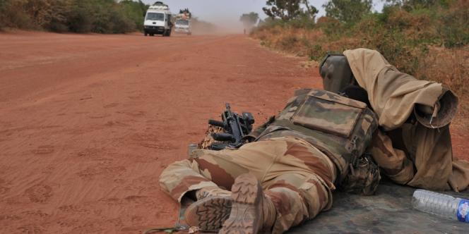 Un soldat français près de la ville de Diabaly, le 22 janvier 2013.