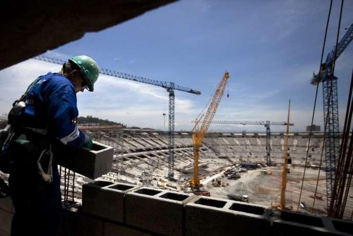 Sur le chantier de rénovation du stade Maracana, à Rio, fin novembre 2012.