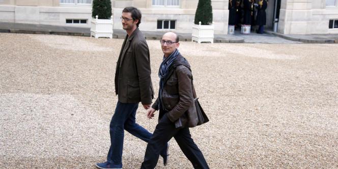 Nicolas Gougain (à gauche), dans la cour de l'Elysée, le 21 novembre 2012, avant une rencontre avec François Hollande.