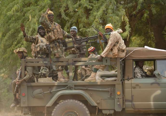 Patrouille malienne à Diabali, le 26 janvier.