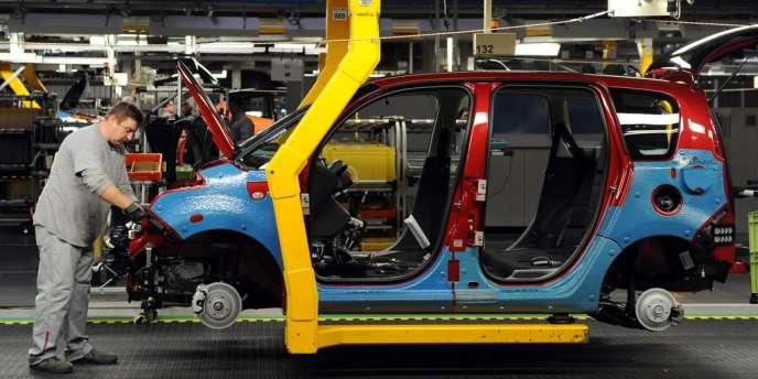 La production du constructeur à Trnava a été arrêtée pendant la journée de lundi et sera suspendue aussi pendant quatre jours en février.