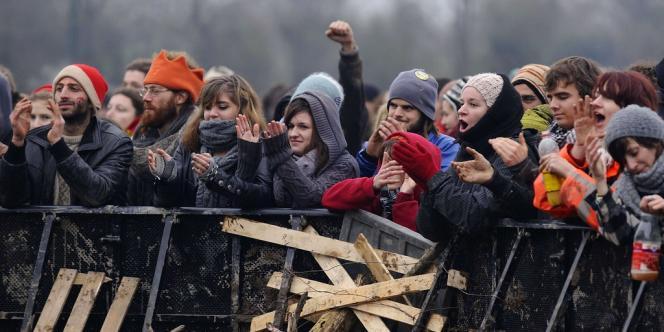 Des opposants au projet d'aéroport à Notre-Dames-des-Landes, le 5 janvier.