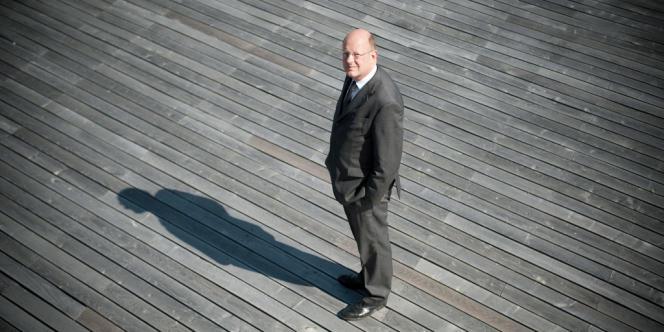 Le groupe public, dirigé par M. Pflimlin, va devoir faire face, en 2013, à un déficit estimé à 80 millions d'euros. Des choix devront être faits sur l'avenir de France 3 et de France 4, notamment.