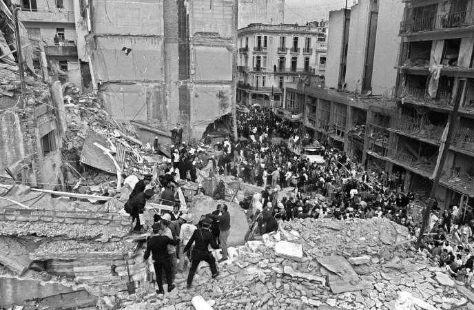 L'attentat  contre le siège de l'Association mutuelle israélite argentine, le 18 juillet 1994, avait fait 85 morts et plus de 300 blessés.