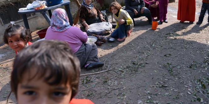 Une famille de déplacés syriens le 25 janvier 2013.