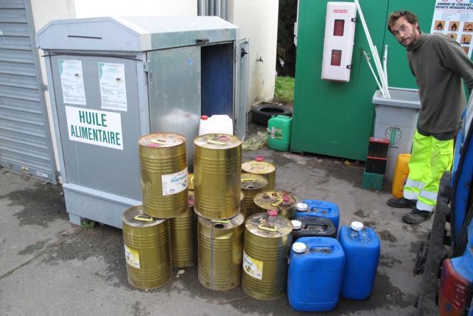 Un point de collecte d'huile de friture, à Saint-Pierre-d'Oléron.