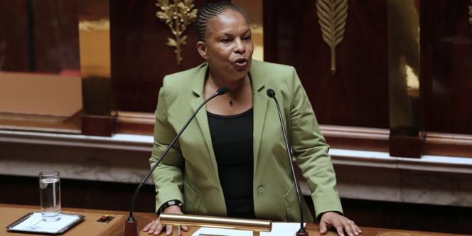 Christiane Taubira devant l'assemblée, mardi 29 janvier.