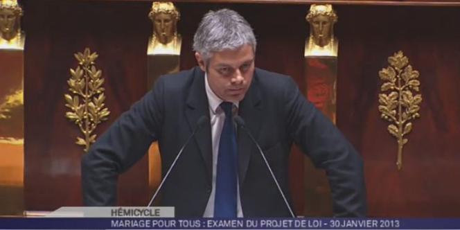 Laurent Wauquiez à la tribune de l'Assemblée, le 30 janvier, lors des discussions sur le