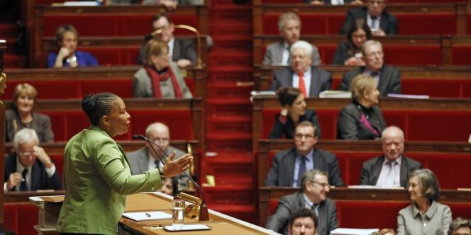 Christiane Taubira, ministre de la justice, pendant les discussions sur le