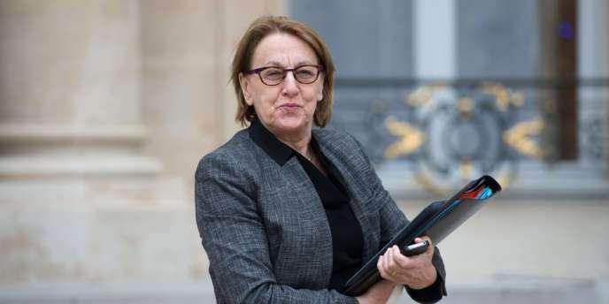 Marylise Lebranchu, ministre de la réforme de l'Etat,a annoncé que le gouvernement proposerait la suppression de la journée de carence.