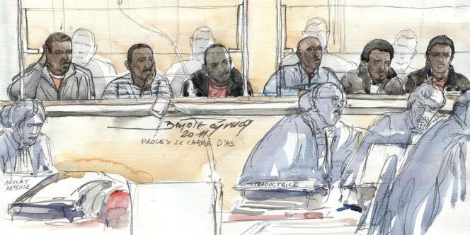 Les six Somaliens accusés d'avoir attaqué le Carré-d'As, le 16 novembre 2011 durant leur procès.
