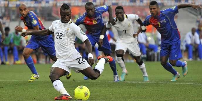Mubarak Wakaso marque sur pénalty, le Ghana élimine le Cap-Vert, le 2 février à Port Elizabeth.