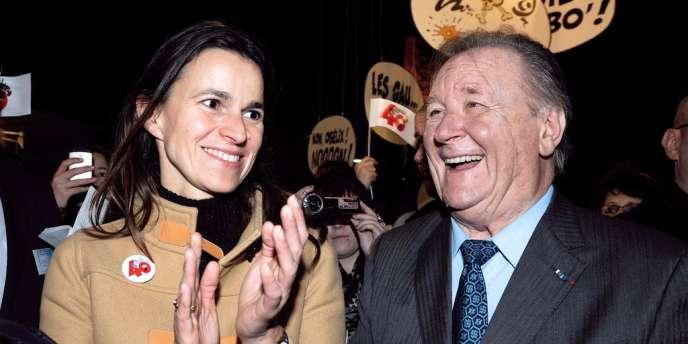 Albert Uderzo avec la ministre de la culture, Aurélie Filippetti, à Angoulême, le 31 janvier.