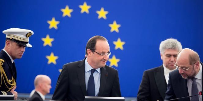François Hollande à son arrivée devant le Parlement européen à Strasbourg, mardi 5 février.
