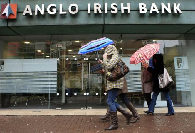 La dette de l'ancienne Anglo Irish Bank, l'une des faillites les plus retentissantes de la crise, a été restructurée, a annoncé Dublin, jeudi 7 février.