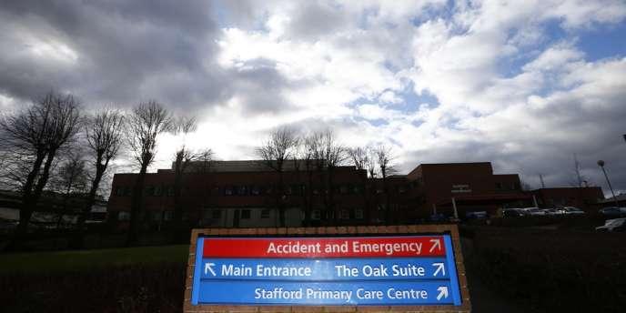 Le NHS, qui fournit des soins gratuits aux Britanniques les plus défavorisés, est une institution qui faisait encore il y a peu la fierté de la Grande-Bretagne.