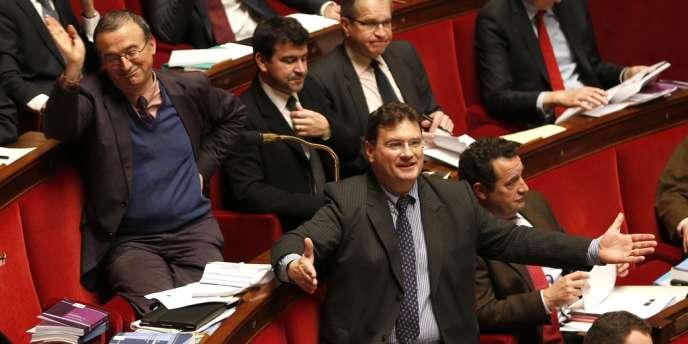 Les députés UMP Hervé Mariton (à gauche) et Philippe Gosselin (au centre), le 5 février à l'Assemblée nationale.