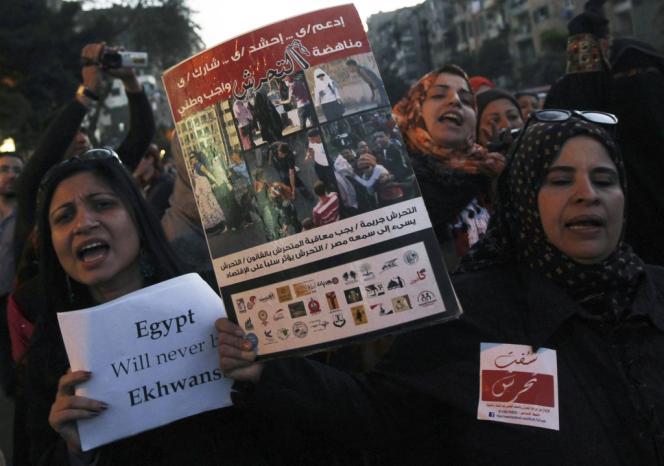 Des Egyptiennes manifestent, le 6 février, au Caire, contre les agressions sexuelles faites aux femmes.