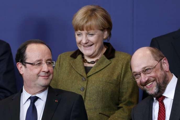 Martin Schulz (à droite), avec François Hollande et Angela Merkel, le 7 février à Bruxelles.