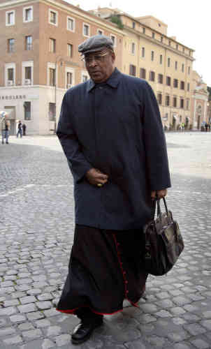 South African Cardinal Wilfrid Fox Napier arrives 13 April 2005 for the general congregation assembly of the cardinals at the Vatican. Cardinals will start their conclave in the Sistine Chapel 18 April 2005 and vote twice a day thereafter until one candidate has reached a majority of two thirds plus one.