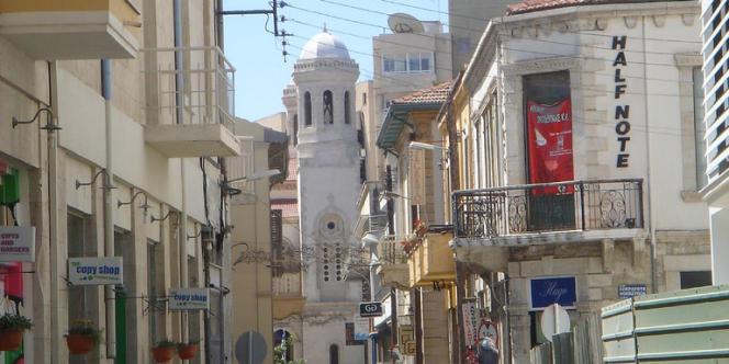 Limassol est la deuxième ville de Chypre et la première cité russe de l'île d'Aphrodite.
