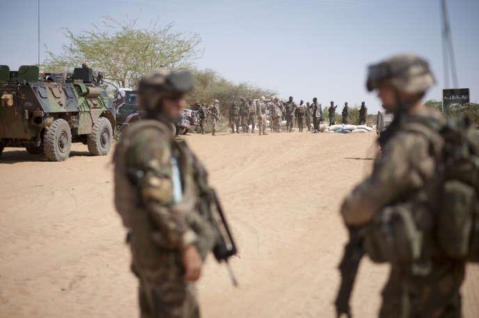 Depuis quelques jours, les islamistes ont montré qu'ils n'avaient pas tous fui et ont prouvé leur capacité de résistance à Gao, reprise le 26 janvier par les soldats français et maliens, ce qui semble marquer un tournant dans leur stratégie.