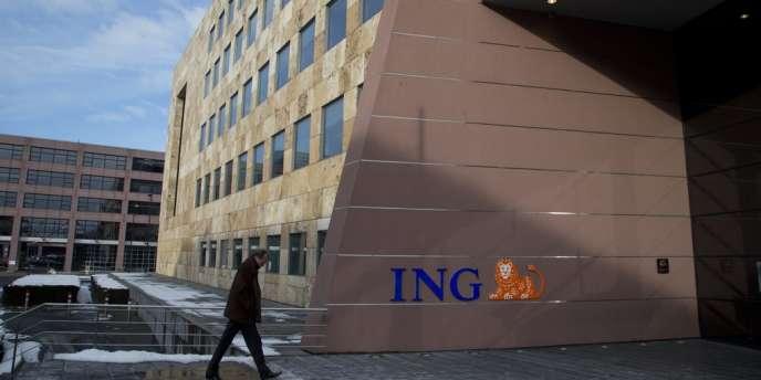 ING supprimera 2 400 emplois supplémentaires aux Pays-Bas et en Belgique.