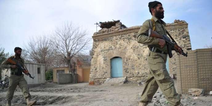 Lors de la dernière présidentielle, en 2009, au moins 31 civils et 26 membres des forces de sécurité avaient été tués le seul jour du scrutin dans des attaques imputées aux rebelles talibans.