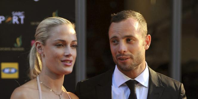 Oscar Pistorius et sa compagne Reeva Steenkamp, le 4 novembre à Johannesburg.