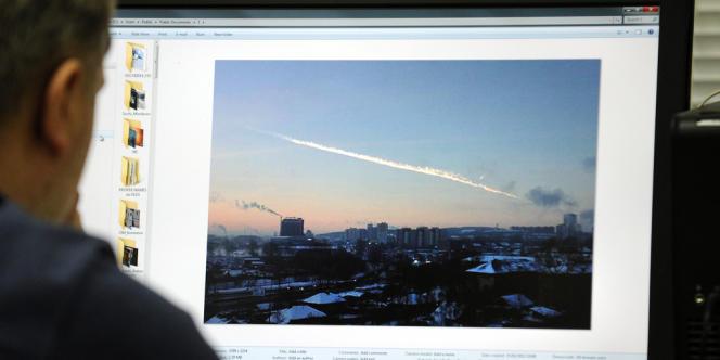 Des habitants disent avoir vu des objets brillants chuter du ciel dans les régions de Tcheliabinsk et de Sverdlovsk.