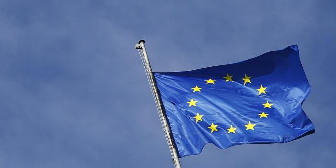Les Européens se sont donné un peu de temps, mardi 5 mars, avant d'acter le plafonnement des rémunérations des professionnels de la finance.