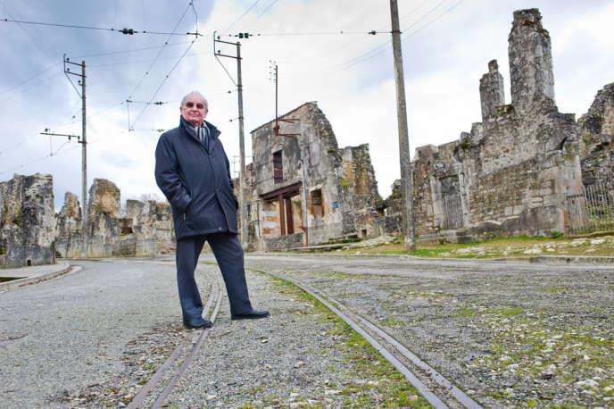 Robert Hébras fait partie de la poignée de rescapés du massacre d'Oradour-sur-Glane.