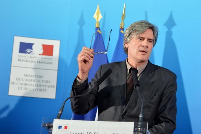 Le ministre de l'agriculture, Stéphane Le Foll, s'est prononcé, mercredi 6 mars, pour un rééquilibrage des soutiens au profit des éleveurs en difficulté. Ici, le 18 février à Paris.