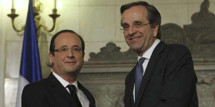 Aux côtés du premier ministre grec, Antonis Samaras, François Hollande a rendu un hommage marqué aux