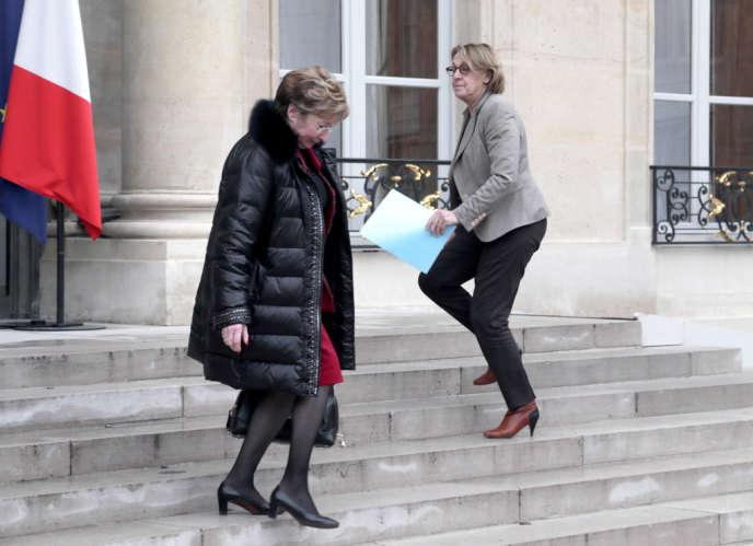 Anne-Marie Escoffier devant Marylise Lebranchu à l'Elysée le 23 janvier.