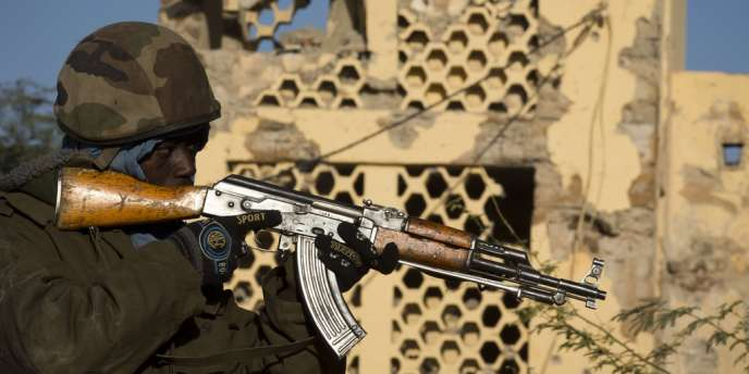 Un soldat malien à Gao, le 22 février.