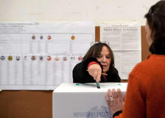 En italie les électeurs font la navette pour voter