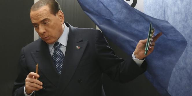 Silvio Berlusconi, parti sous les huées en novembre 2011 en laissant une Italie au bord de l'asphyxie financière, a effectué une remontée spectaculaire.