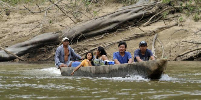 Seule une poignée de communautés autochtones évolue dans les blocs de forêt amazonienne que l'Equateur veut céder.