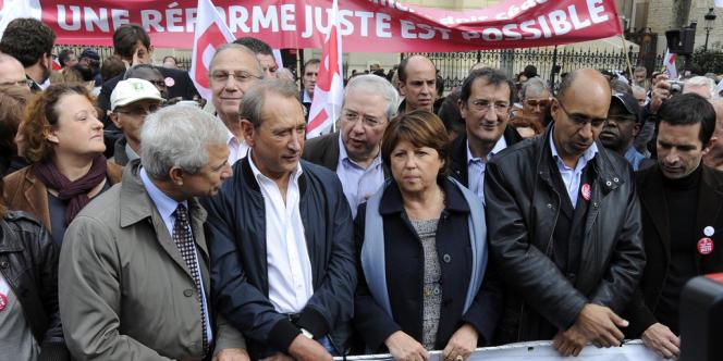 De nombreux leaders du PS avaient manifesté en octobre 2010 contre la réforme Woerth des retraites. Le parti socialiste avait proposé une contre-réforme.