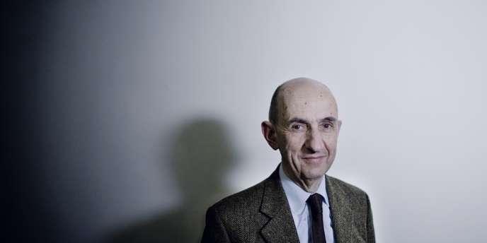 Louis Gallois dans son bureau à Paris, le 25 février 2013