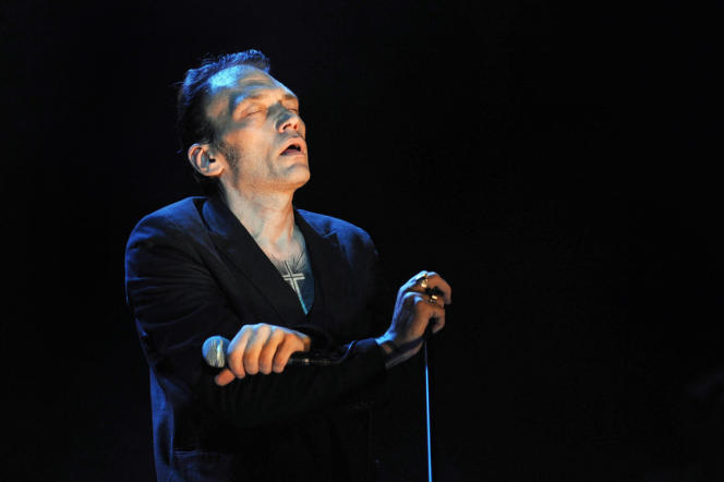 Daniel Darc en concert lors de la 24e édition des Francofolies de La Rochelle, le 15 juillet 2005.