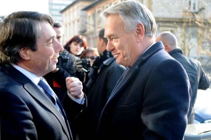Michel Destot, maire de Grenoble, et Jean-Marc Ayrault, le 8 février.
