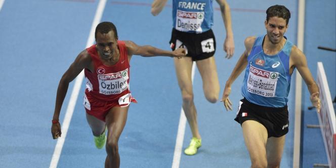 Mahiedine Mekhissi-Benabbad (à droite) vainqueur du 1500 m des championnats d'Europe en salle.