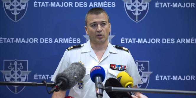 Conférence de presse du porte-parole de l'armée française, Thierry Burkhard, le 3 mars à Paris.